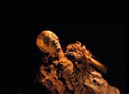 Momie définition + 3 vidéos dans Archéologie momie01