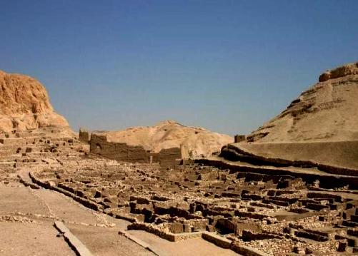 Deir el-Médineh définition + 5 vidéos dans Archéologie deirelmdineh01
